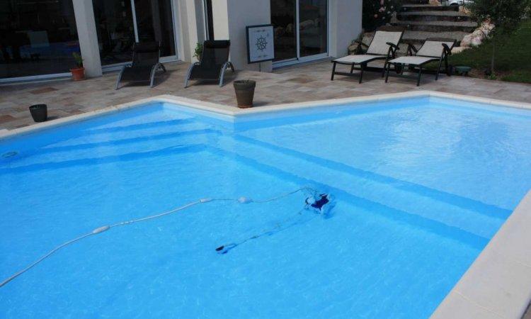Escalier pour piscine àSaint-Nazaire-Les-Eymes