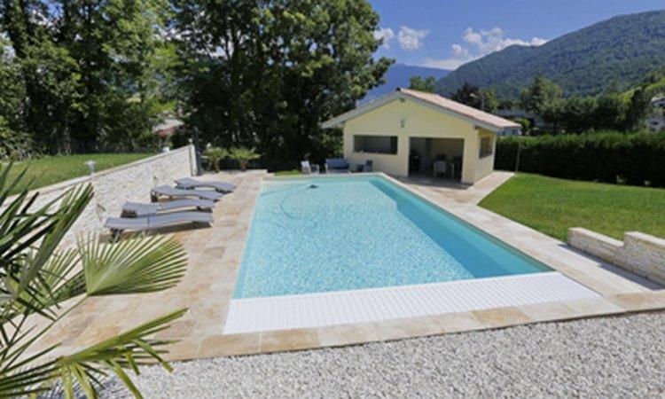 Dallages piscine en pierre